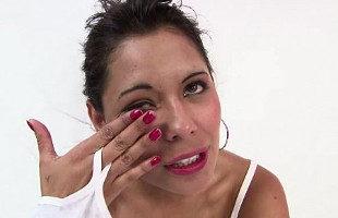 Image Colombiana encuentra consuelo gracias a una polla dura
