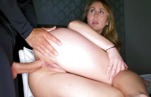 Image Paige Owens prepara su culito para una noche de sexo anal