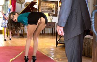 Image Riley Reid va sin bragas y pone cachondo a su cliente