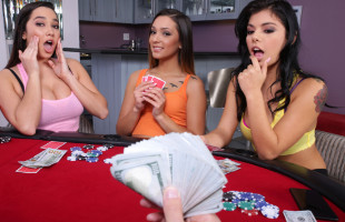 Image Juegan al strip poker y acaban organizando una orgía