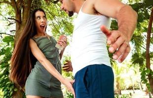 Image Quiso enseñarle salsa pero terminó bailando sobre su polla